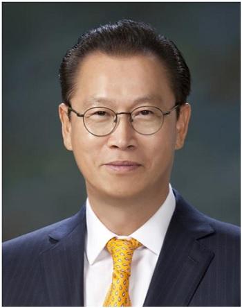 문주현 회장(세계청년리더총연맹 상임고문).jpg