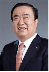 img_chairman_02_202[1].jpg